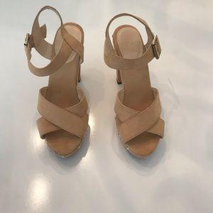 NY&CO Cream and Gold Heels